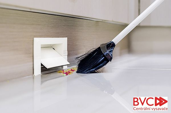 KITVAC - Podlahová štěrbina stříbrná